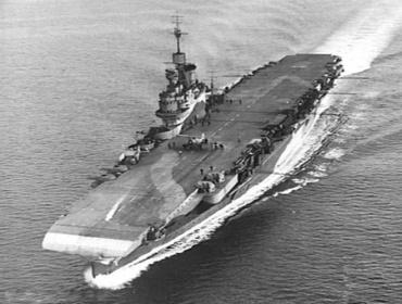 HMS_Illustrious_(AWM_302415).jpg