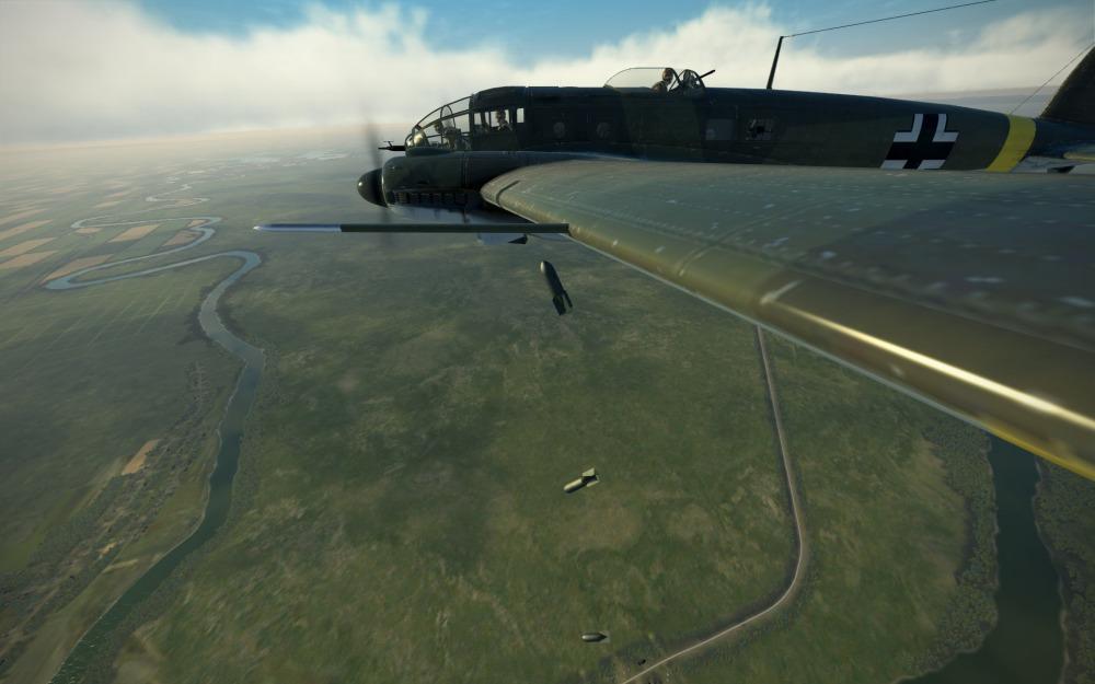He111H-16-bombsaway-wingview