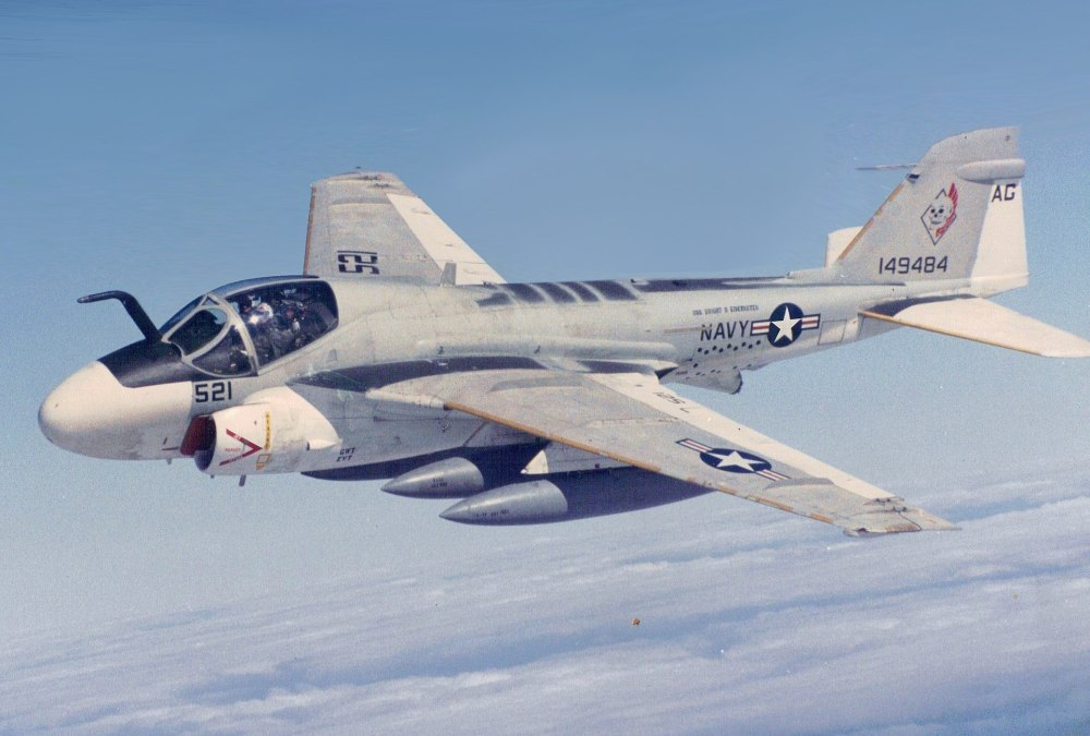 1920px-Grumman_KA-6D_Intruder_of_VA-34_in_flight,_in_1988.jpg