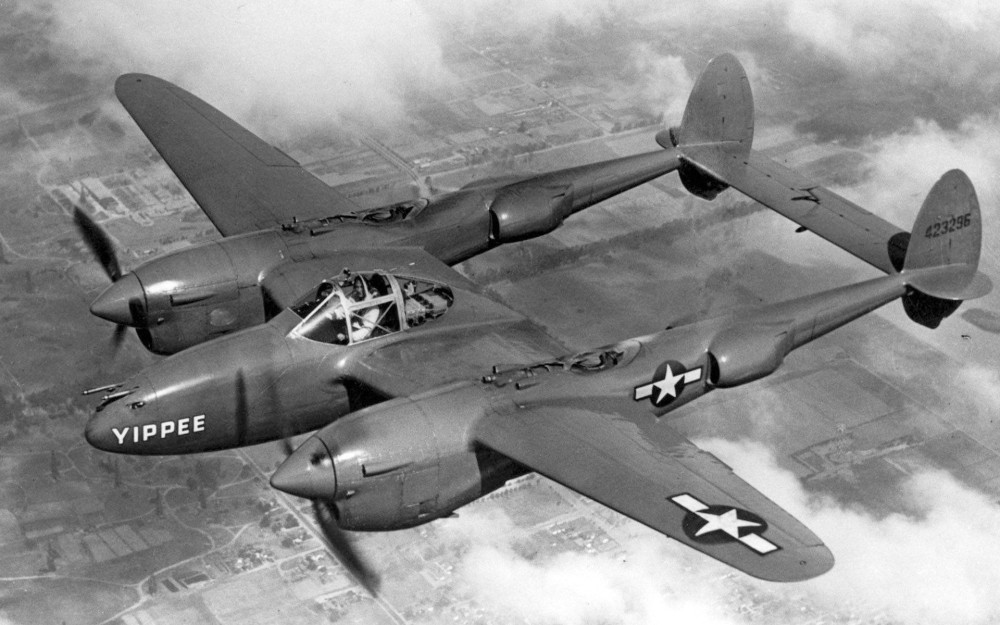 Lockheed_P-38_Lightning_USAF.JPG